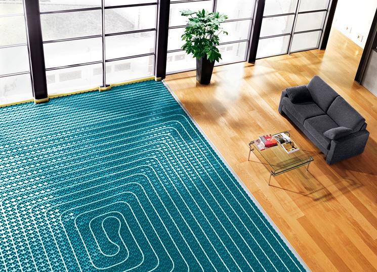 Salón con instalación de suelo radiante y aerotermia
